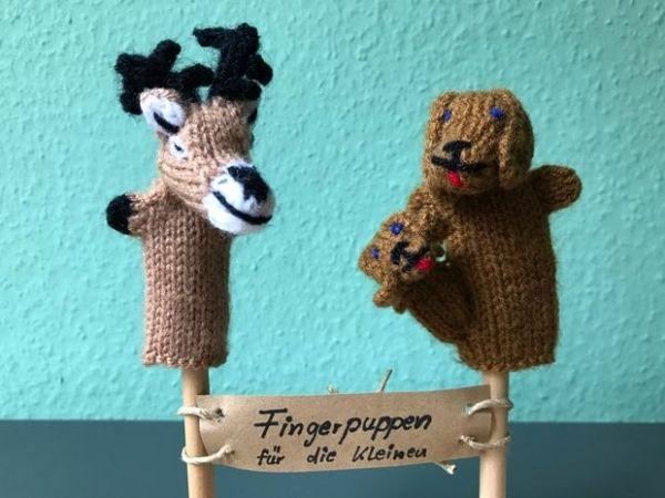 Fingerpuppen-Set Hirsch und Hund
